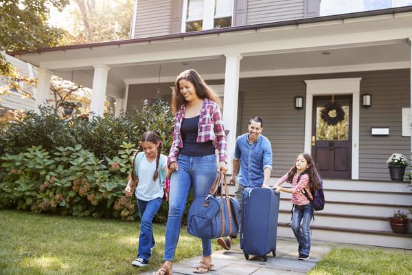 zabezpieczenie domu podczas wyjazdu
